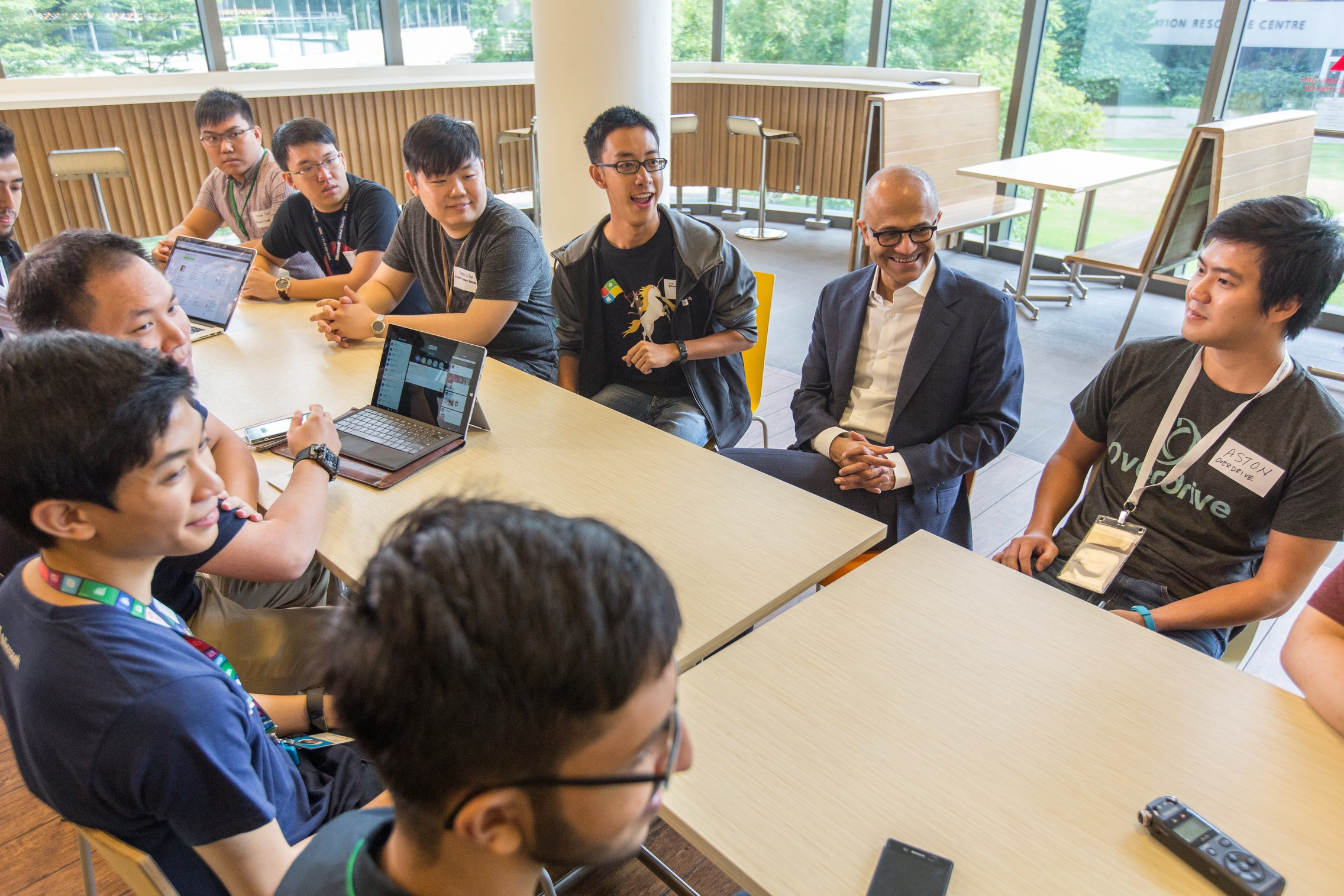 Microsoft CEO Satya Nadella chats with students and developers over breakfast on their innovations and how they can leverage Microsoft platforms to power new innovations.